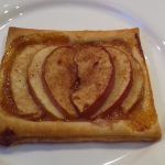 Valentin-napi almás süti