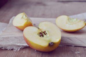 bálint-napi népszokások, alma