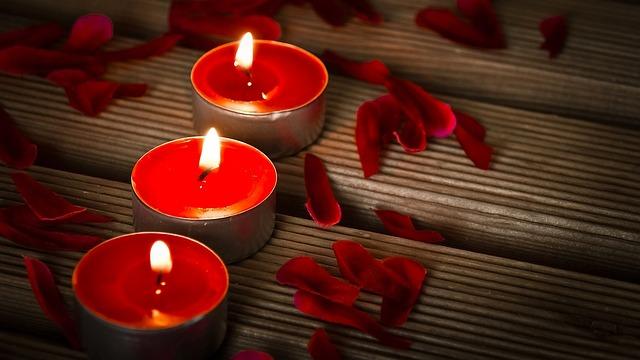 Valentin napi dekoráció gyertya